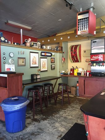 Bob's Atomic Burgers: photo1.jpg
