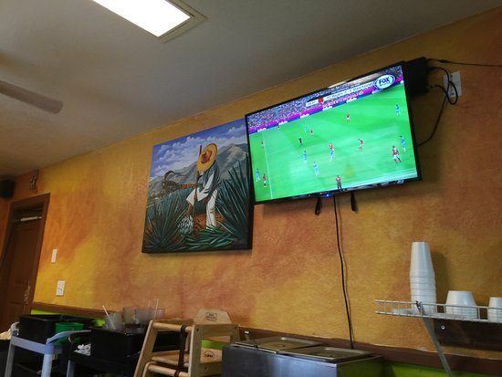 Muskogee, OK: Mexican soccer played on the TV's