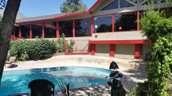 Kernville, Californië: outside by pool