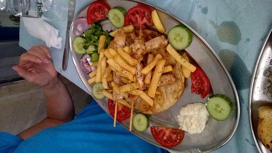Rimpari, Греция: The very tasty chicken skewer.
