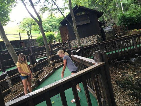 Sugar Creek Mini Golf: photo0.jpg