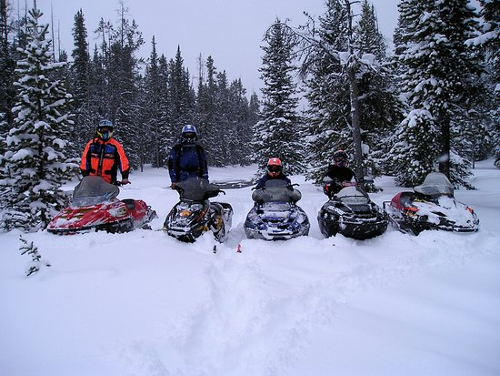 Skyline Guest Ranch and Guide Service: Snowmobile fun with plenty of snow!