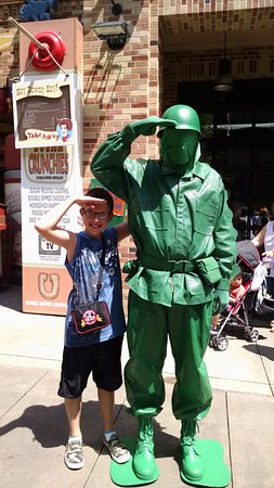 Disney's Hollywood Studios: Green Army Man!