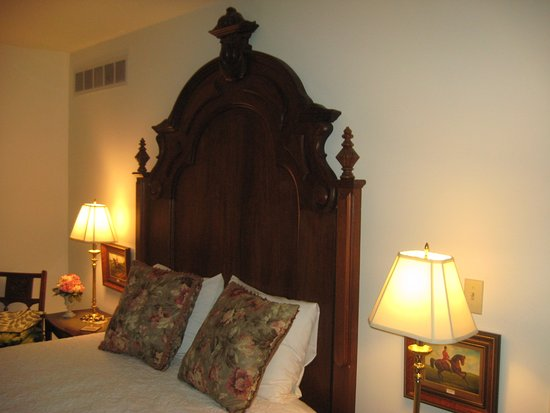Hardy's Bed and Breakfast Suites: The bedroom