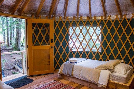 Sechelt, Canada: Yurt Interior