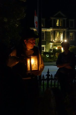 Annapolis Royal Candlelight Graveyard Tour: in the Garrison graveyard