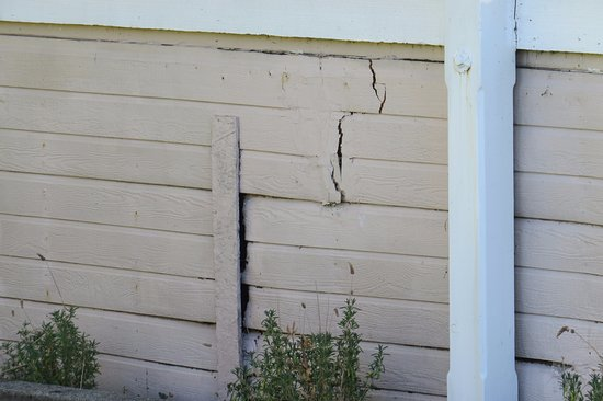Auburn, CA: Neglected siding