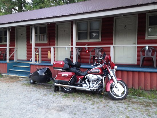 Lee's Corner Motel