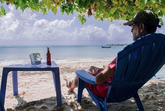 The Grog Rocky Cay San Andres: el lugar más placido de todos. ® Raga