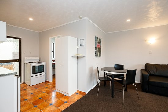 Palmerston North, New Zealand: Two Bedroom