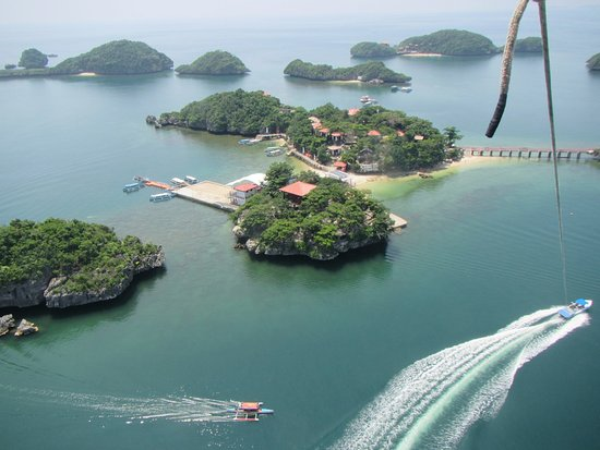 Hundred Islands: Oh that view...