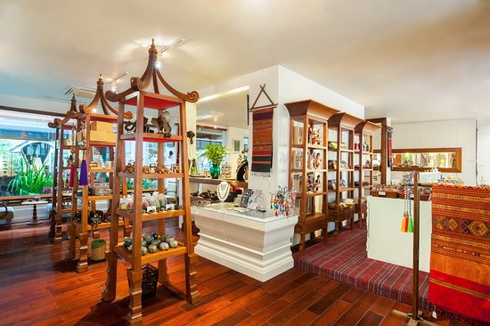 Ratilanna Riverside Spa Resort Chiang Mai: RatiLanna Gallery Shop