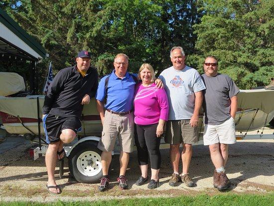 Selkirk, Canadá:  Nebraska Guys with Louise