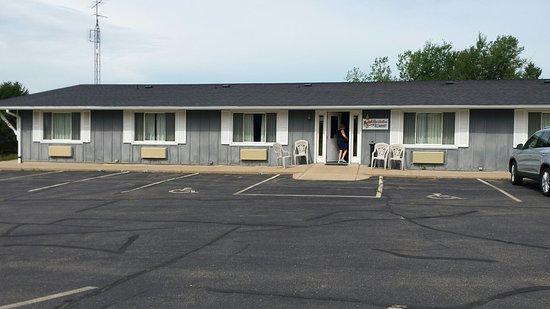Neillsville, WI: Fannies Supper Club & Motel