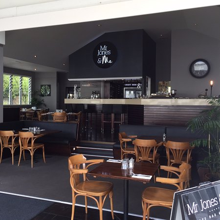 Noosaville, Australia: inside dining