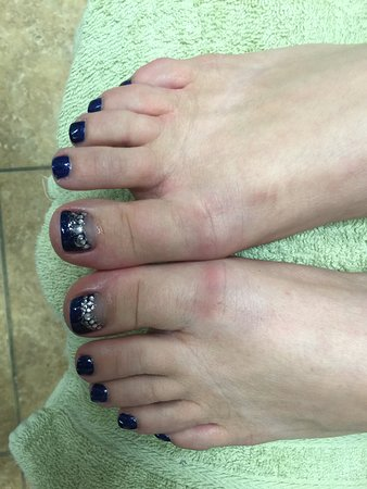 Branson, MO: Perfect toes by Kari