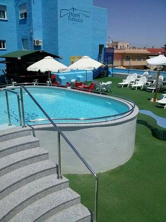 Hotel Trabuco: Piscina