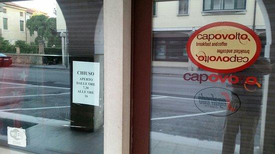 Oderzo, Italia: NON rispetta i normali orari .....Molte volte il sabato chiude ..Avviando con un cartello volant
