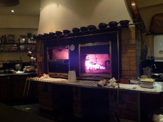 Хоуп-Айленд, Австралия: woodfire stove/grill