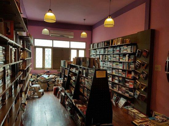 Dasa Book Cafe: 20160729_102952_large.jpg