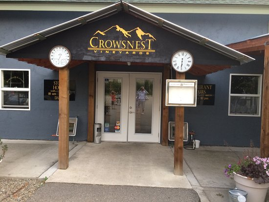 ‪Crowsnest Vineyards‬