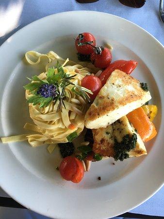 Restaurant Casino Bern: Nudelgericht mit Fisch