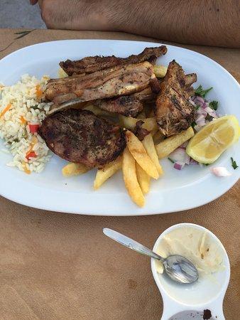 Almyrida, اليونان: Thalami Taverna