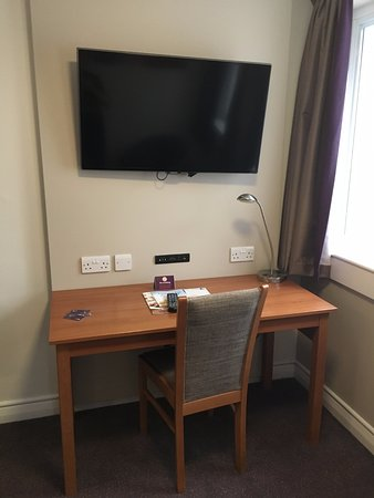 ‪‪Premier Inn London Euston Hotel‬: Desk was sufficiently large‬