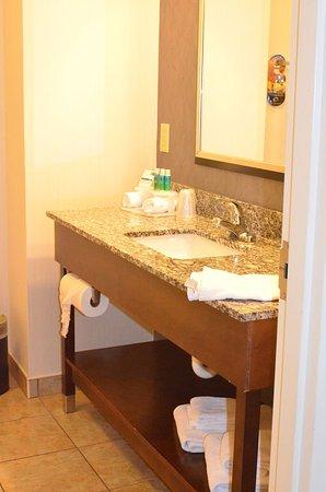 Greenwood, Indiana: Bathroom sink