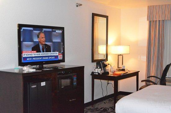 Greenwood, Indiana: TV, desk