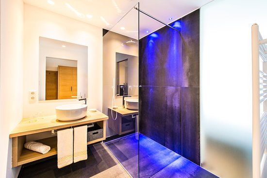 Cermes, إيطاليا: Badezimmer Panorama Suite Deluxe | Foto Grüner Thomas