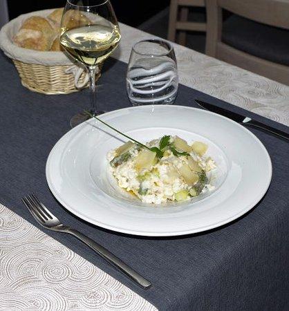 Macon, Frankrig: Risotto asperge huile de truffes et parmesan
