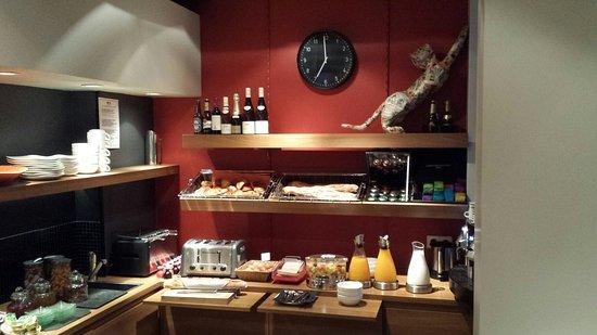 Fred Hotel: Petit déjeuner