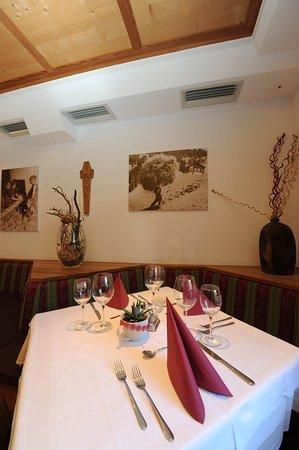 Prato allo Stelvio, Italia: Liebevoll dekorierte Tische