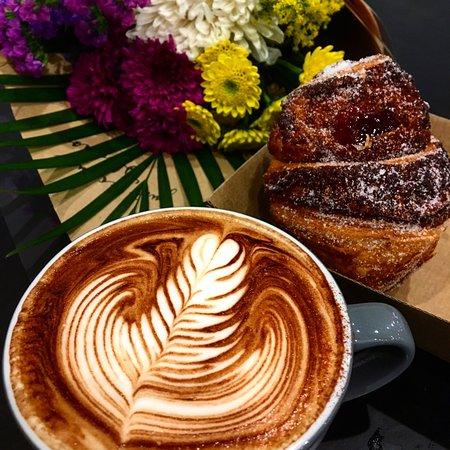 Labrador, Australia: Papercup Coffee