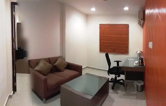The Lotus Apartment Hotel - Venkatraman Street: Hall view with table, sofa