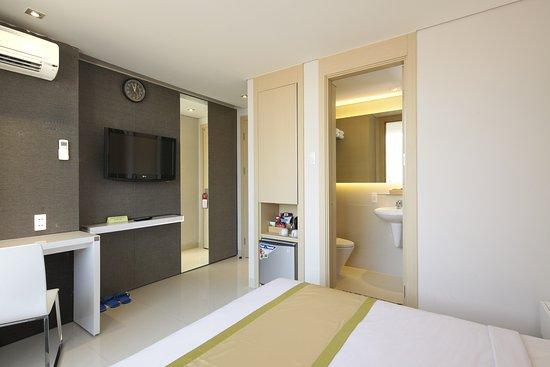 Green Peace Hotel: Phòng khách sạn 2