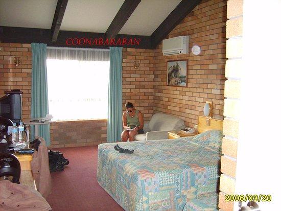 All Travellers Motor Inn: spacious