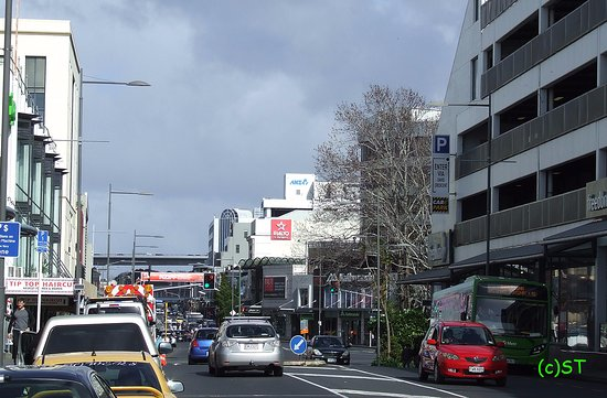 Auckland Region, New Zealand: road view to the south