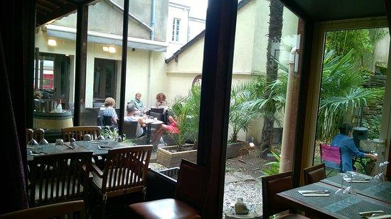 дворик photo de le patio nnement nantes tripadvisor