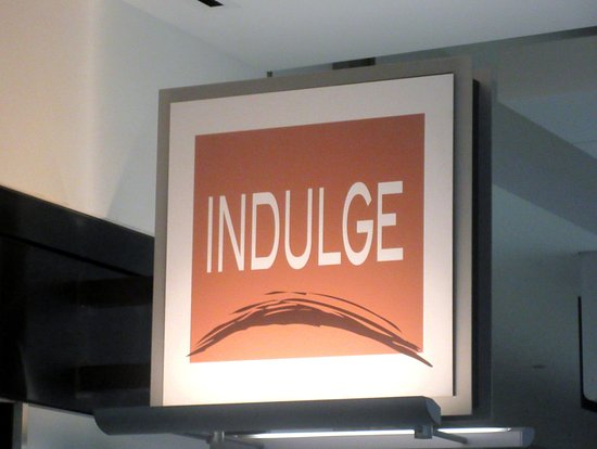San Bruno, CA: Indulge Candy, International Terminal, San Francisco International Airport