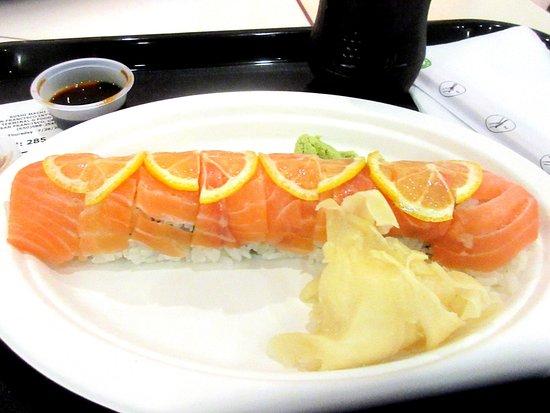 South San Francisco, كاليفورنيا: 49er Roll, Sushi Machi, Food Court, International Airport Terminal, San Francisco Airport