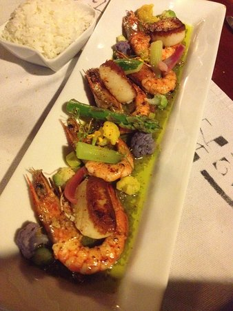 Haapiti, Polinesia Francesa: crevettes sautées