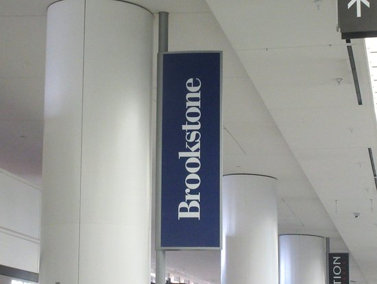 San Bruno, CA: Brookstone, International Terminal, San Francisco Airport