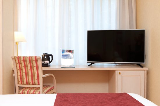 Senator Castellana Hotel : Habitación