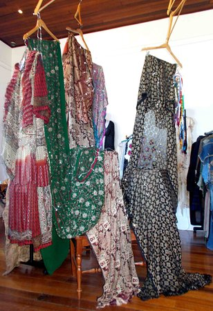St Marys, Australia: Orphic Art2Wear Singgasana