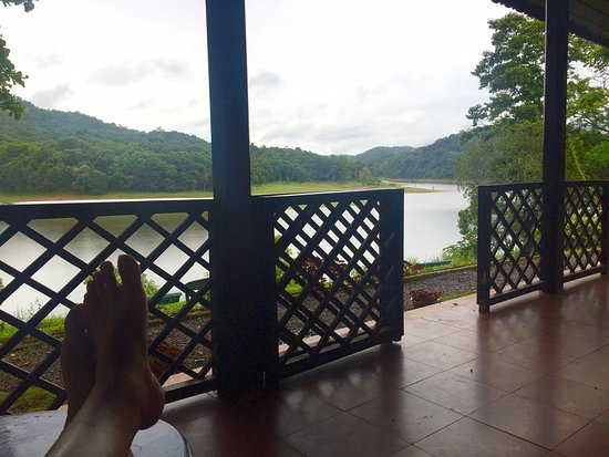 KTDC Lake Palace Thekkady: The Balcony