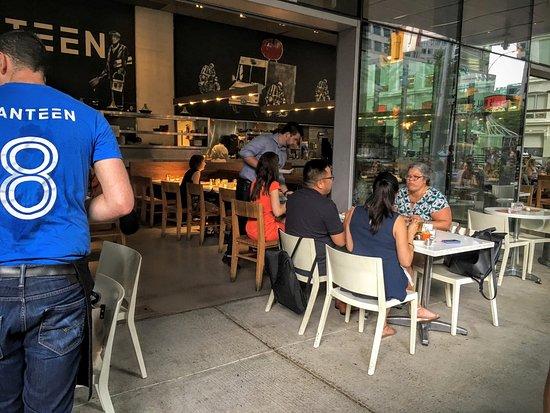Toronto Hotel Deals Near Aquarium