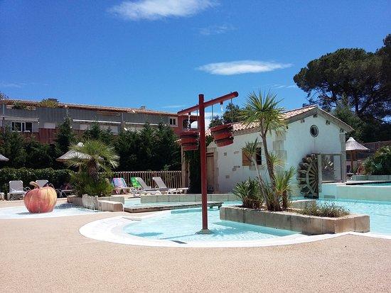 La piscine photo de camping de la treille cavalaire sur for Camping cavalaire sur mer avec piscine