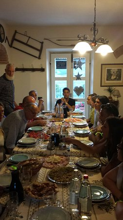 Борго-Сан-Лоренца, Италия: 20160728_201512_large.jpg